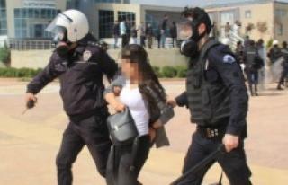 Urfa'da Gözaltına Alınan 49 Öğrenciden 21'i...