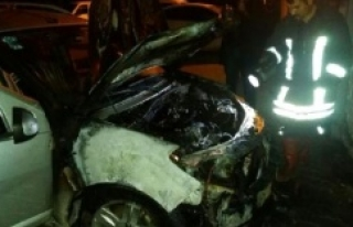 Siverek'te Öğretmenin Otomobili Kundaklandı