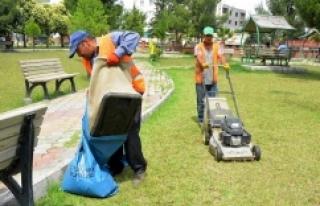 Ceylanpınar'da Parklar Yaza Hazırlanıyor