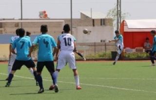 Liseler arası futbol turnuvası başladı