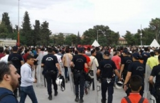 Suriyeliler Urfa'da gövde gösterisi yaptı