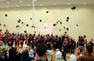 Yeni Doktorların mezuniyet sevinci