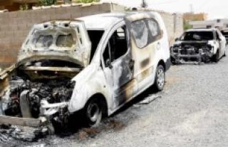 Ceylanpınar'da 4 araç kundaklandı