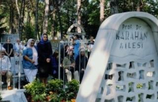 Karahan mezarı başında anıldı