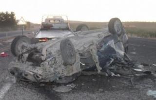 Otomobil biçerdövere çarptı