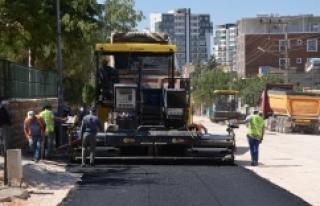 Siverek'te asfaltlama çalışması sürüyor