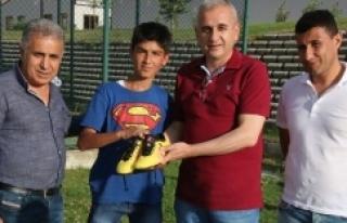 Bağıban'dan Erzurumlu gence jest…