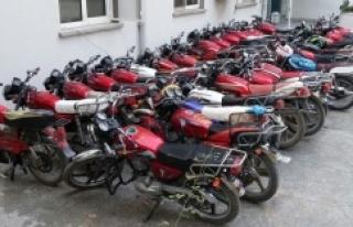 Polisler 66 motosiklet ele geçirdi