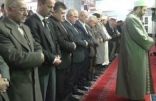 Urfa'da, Şehitler için gıyabi cenaze namazı...