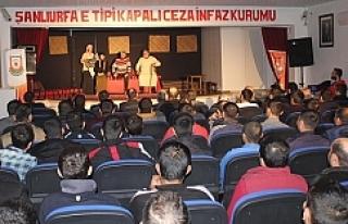 Urfa'da mahkumlar tiyatroyla buluştu