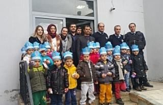 Urfa'da polise anlamlı ziyaret