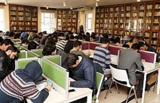 Urfa gençliği, kütüphanelere akın ediyor