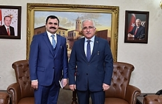 Vali Tuna yeni müdür Turan'ı kabul etti