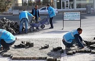 Karşıyaka'da kilitli taş çalışması tamamlandı
