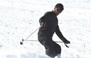 Yazın mevsimlik işçi kışın kayak hocası