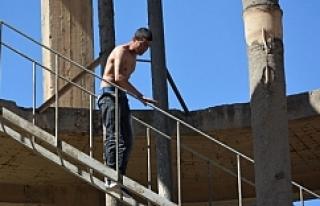 35 metre yükseklikten intihar girişimi!