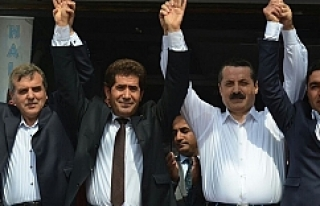 AK Parti saflarına geçip böyle poz verdiler