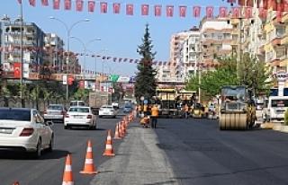 Tarihi İpekyolu'da asfaltlama çalışmaları..