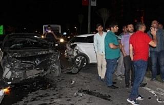 Urfa'da 5 araç birbirine girdi