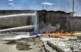 Eyyübiye'de şaşkınlık veren yangın