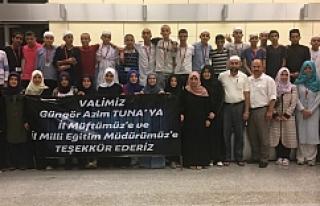 Genç umreciler Urfa'ya döndü