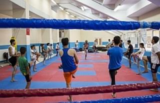 Gençlerden Kick Boks'a yoğun ilgi