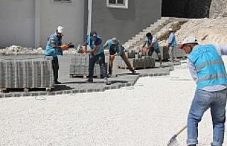 Eyyübiye konutlarında yol yapımı sürüyor