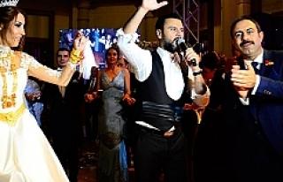 Badıllı Aşiretinin düğününde Alişan bakın...