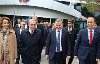 Urfa'da Bakan Bakanı karşıladı