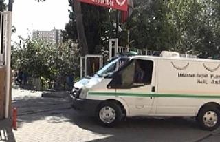 Urfa'da yürürken bıçaklanarak öldürüldü.
