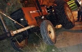 Yol Vermek İsteyen Traktör Şarampole Düştü