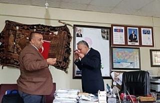 MHP Urfa teşkilatı Bayrak dağıttı
