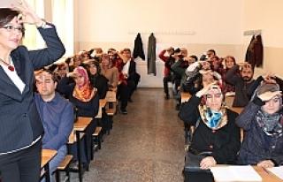 Alkışlar Eyyübiye merkezine