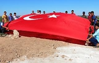 Akçakale Karatepe Mahallesinde Ay Yıldızlı Türk...