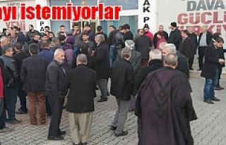 AK Parti önünde bir eylem daha...