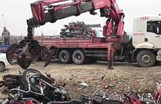 Urfa'daki çürümüş motosikletler bakın nereye...