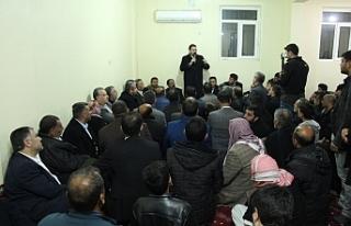 """""""AK Parti hizmetleriyle gönüllere taht kurdu"""""""