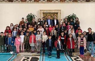 Mecliste çocukları ağırladı...