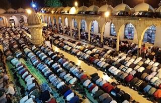 Urfa'da binlerce kişi akın etti...