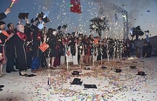 Harran'da mezuniyet törenleri devam ediyor