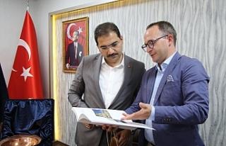 Polonya heyeti Başkan Canpolat'ı ziyaret etti