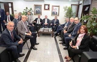 Beyazgül İstanbullu iş adamlarıyla görüştü