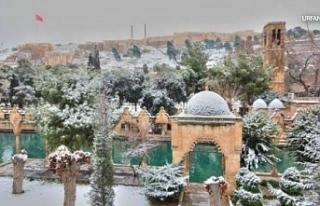 Urfa'ya kar düşmeye başladı