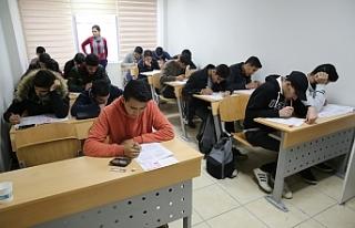 Haliliye'de deneme sınavlarıyla ölçülüyorlar