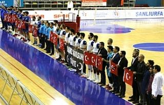 Haliliyeli sporcular Türk Askerine selam durdu