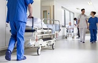 Sağlık Bakanı Koca: Sağlık çalışanlarına...