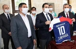 Efeler Ligi'nin yeni takımı ziyaretlere başladı