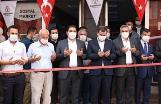 Karaköprü'de ücretsiz market açıldı