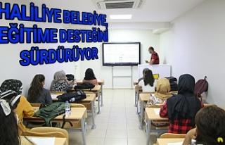 Uzman öğretmenler ders veriyor