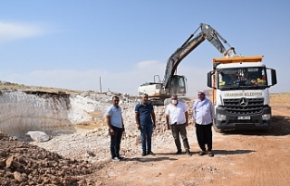 Viranşehir'de kırsalda yol çalışması sürüyor